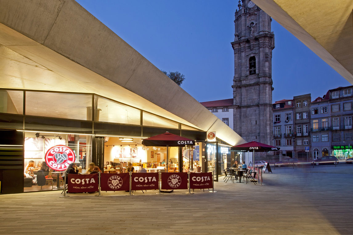 Costa Coffee in the heart of Porto. Brand and design implemented by Stanza Design Coffee Bar designer