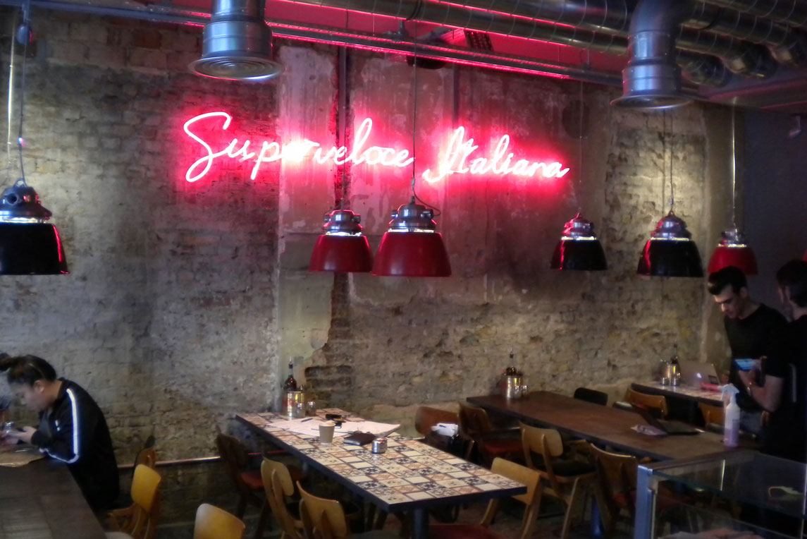 Pizza Union - Neon sign feature - Stanza Design