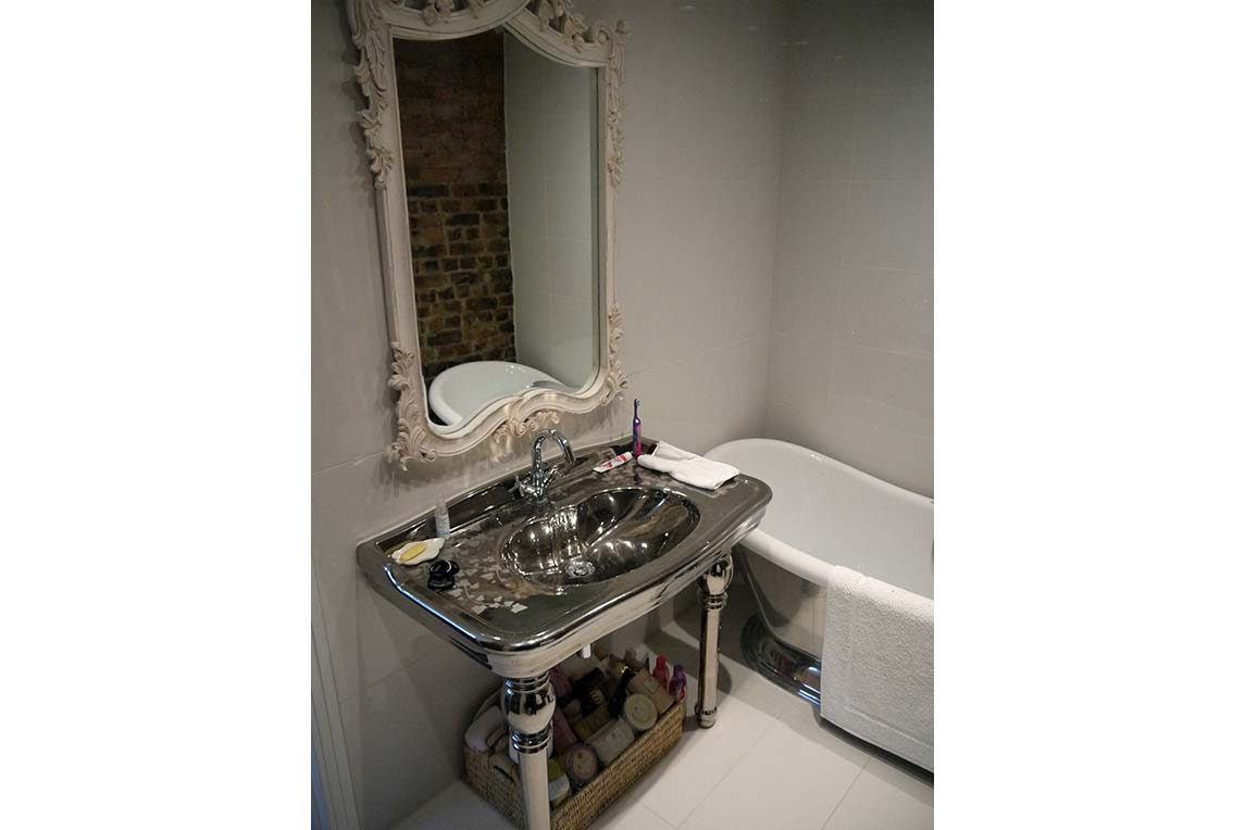 Bathroom 2 to match the bedroom in classical design