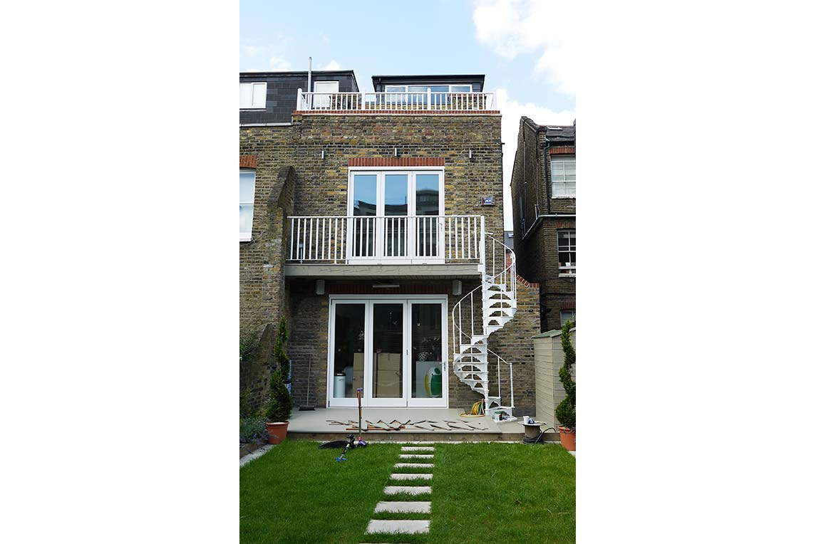 House, Chiswick - Exterior view - Rear facade